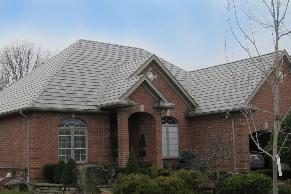 Best Brick Home Roofs Red Brick House With Metal Roof Metal 400 x 300