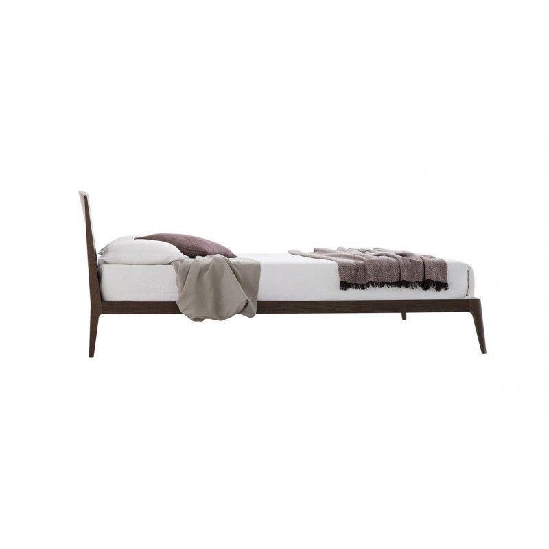 SIRI-Bett-Novamobili-Holzbett-füße   Berlin Apartment - Bedroom ...