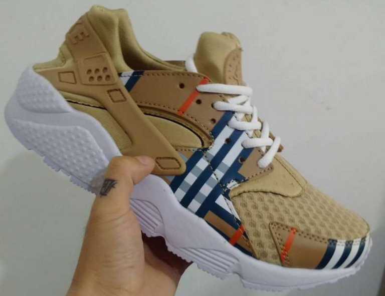 Nike Air Huaraches Gucci X Huarache Custom CUSTOM NIKE AIR HUARACHE GUCCI Men