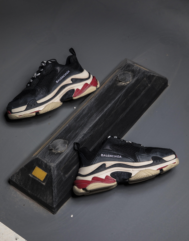 dc70383c6b4e Balenciaga Triple S TRAINER Chunky Sneaker SHOES Black Red ...