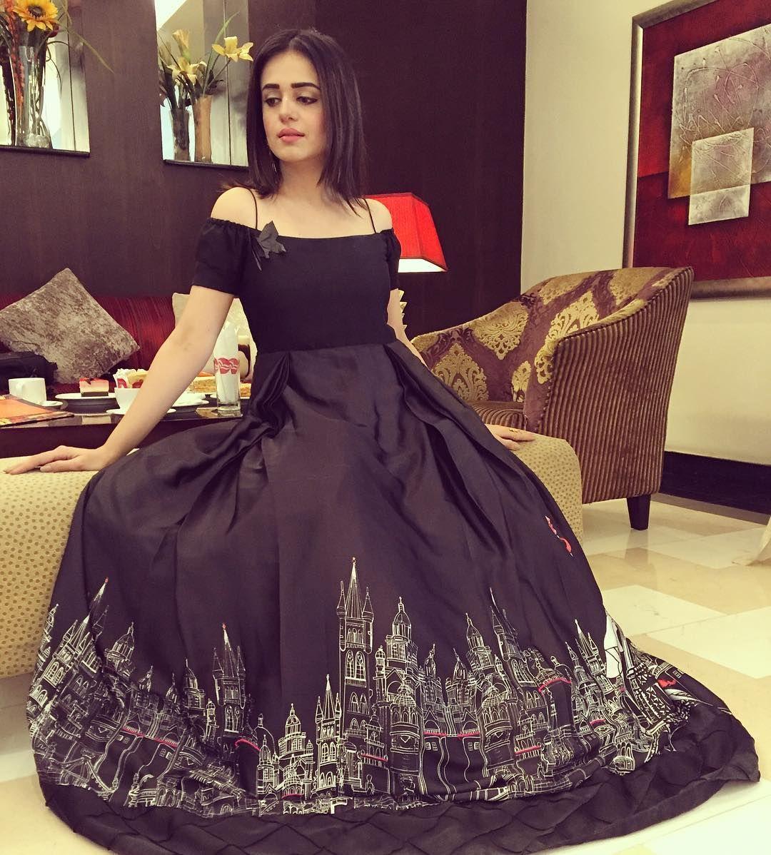 Sumbul Iqbal Fashion Pakistani Dresses Choli Dress