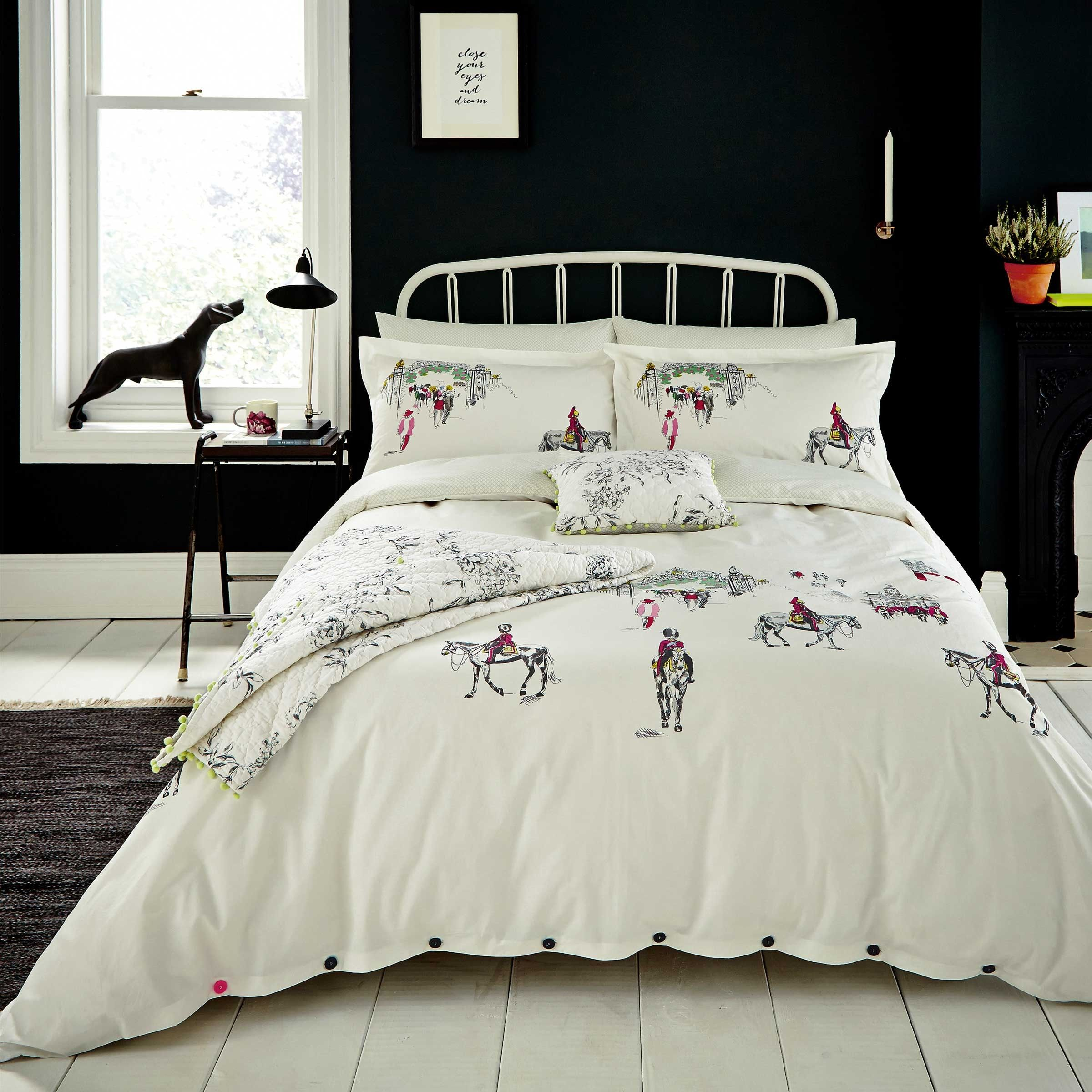 Joules Horse Guard Print Bedding