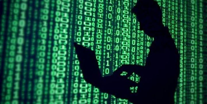 """Geçtiğimiz aylarda bir çok sunucuyu ve siteyi tehdit eden HeartBleed isimli açığın bulunmasıyla internet dünyasında büyük panik yaşanmıştı. OpenSSL web şifreleme protokolünü tehdit eden bu açıktan daha tehlikeli bir sistem açığı tespit edildi. """"Shellshock"""" adı verilen bu açık, sunuculardan akıllı telefonlara, trafik ışık sistemlerinden kişisel bilgisayarlarınıza kadar her alanda tehdit oluşturuyor."""