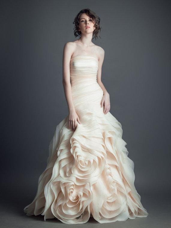 Wedding Dresses Romantic V Neck Wedding Dresses Unique Wedding Dress Trends Wedding Dresses Romantic