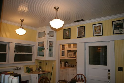 1915 Craftsman Bungalow Craftsman Kitchen Craftsman Bungalows Kitschy Kitchen