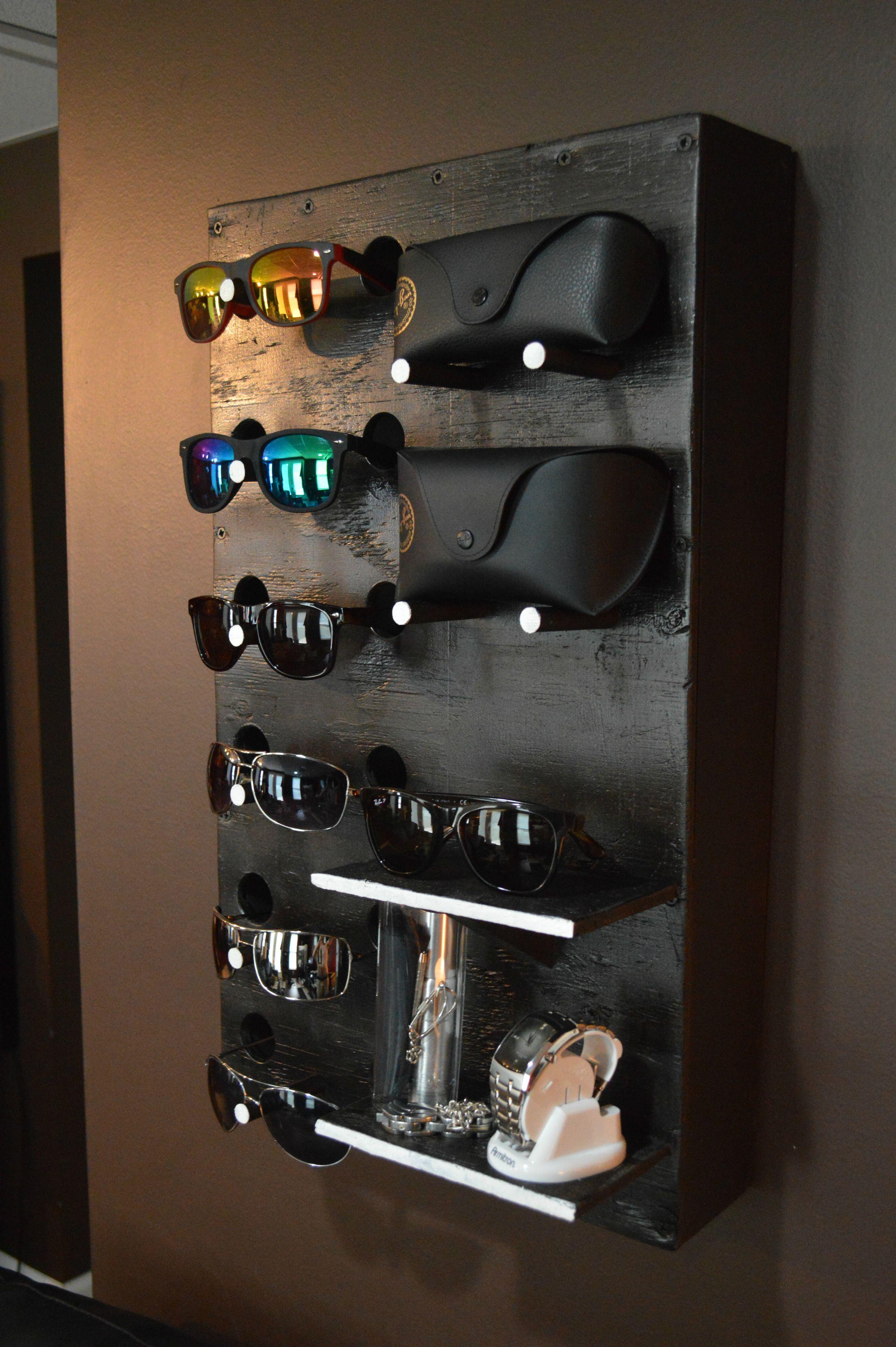 diy sunglasses display shelf in 2018 home pinterest brille brillen aufbewahrung und. Black Bedroom Furniture Sets. Home Design Ideas