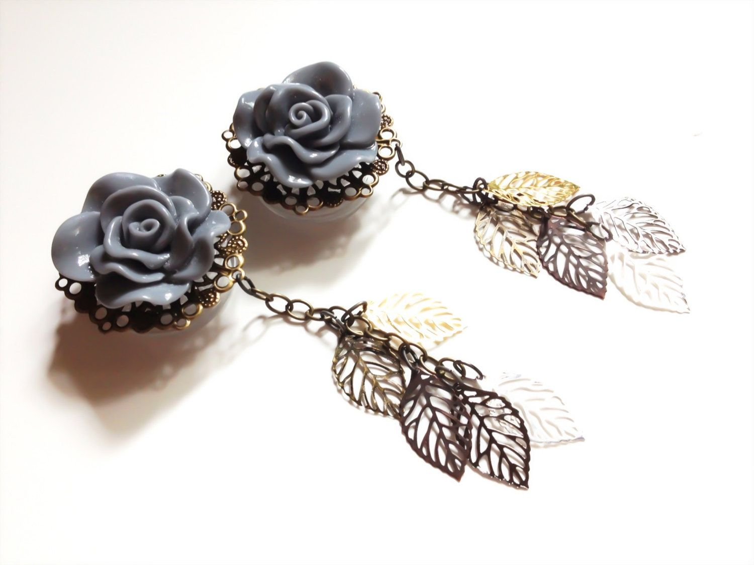 Pair of Black Flower Wood Tunnels and Steel Pendant Necklace 2g 1 inch