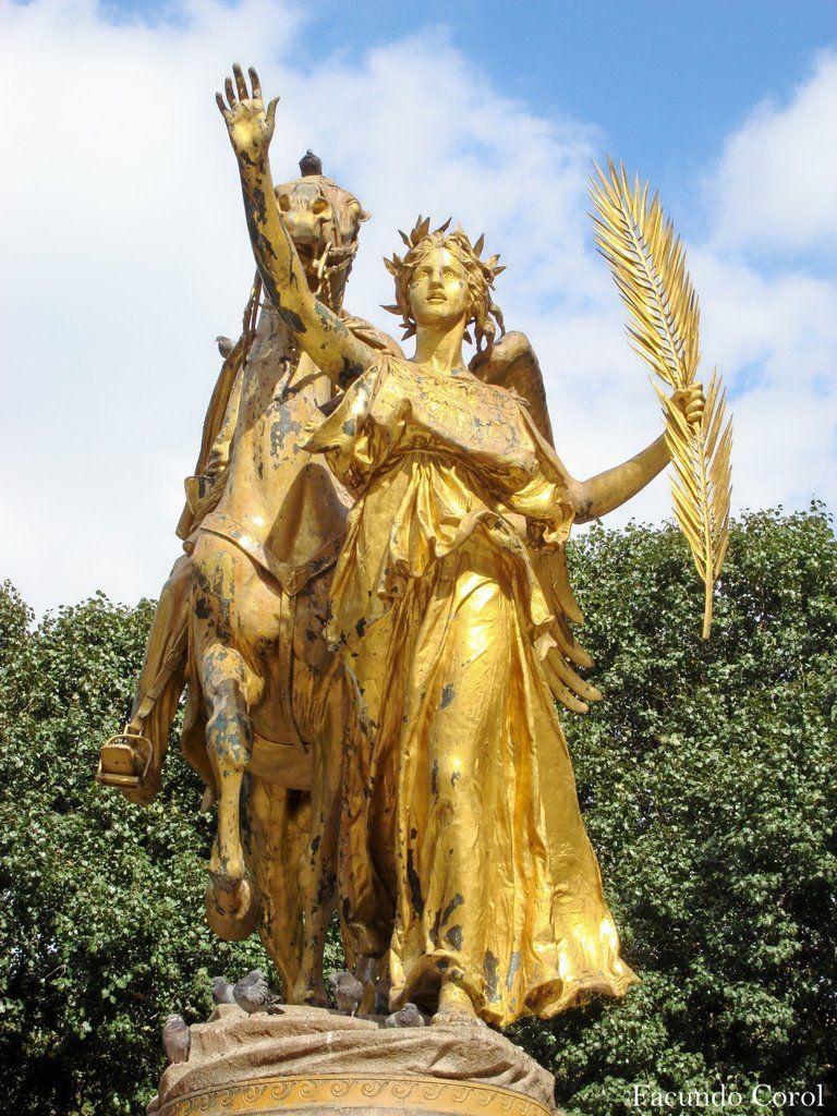Nike Goddess of Victory Statue   Central Park, New York, NY, USA
