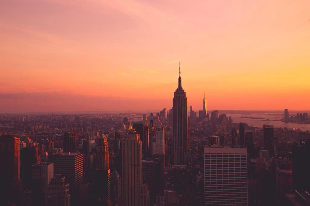 """""""This rose-tinted #NewYork sunset refreshed my soul.""""   —@simantics pic.twitter.com/aBlhRLUHpd"""