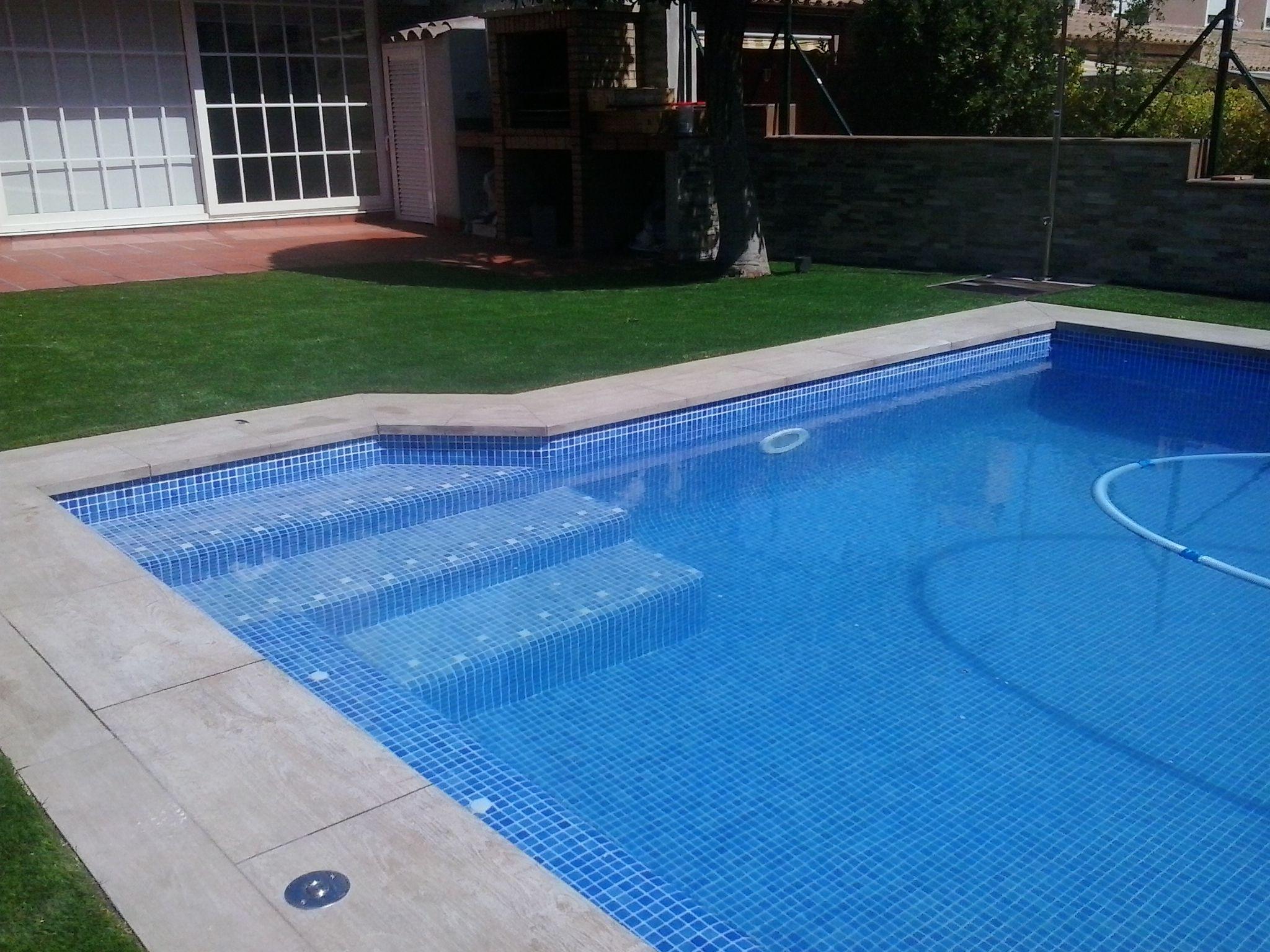 Piscinas de material elegant piscina de vidro with - Material de piscina ...