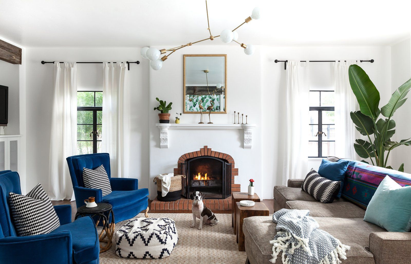 Photo 8 Of 22 In Before After A Creative Couple Give Their Spanish Spanish Living Room Spanish Decor Spanish Style Homes
