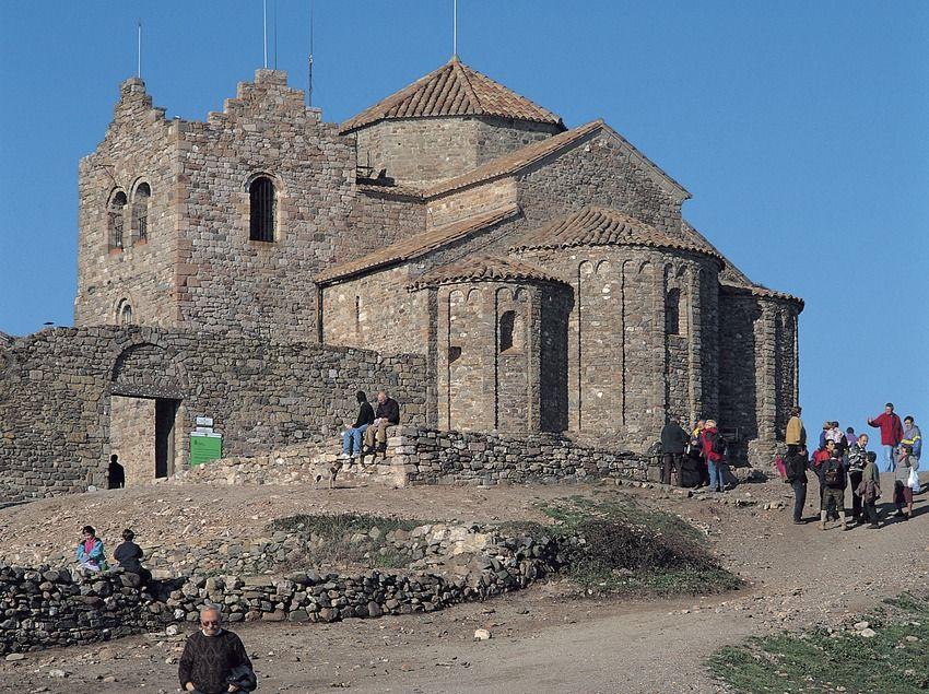 Resultat d'imatges de Parc Natural de Sant Llorenç del Munt iglesia de Nuestra Señora de las Arenas
