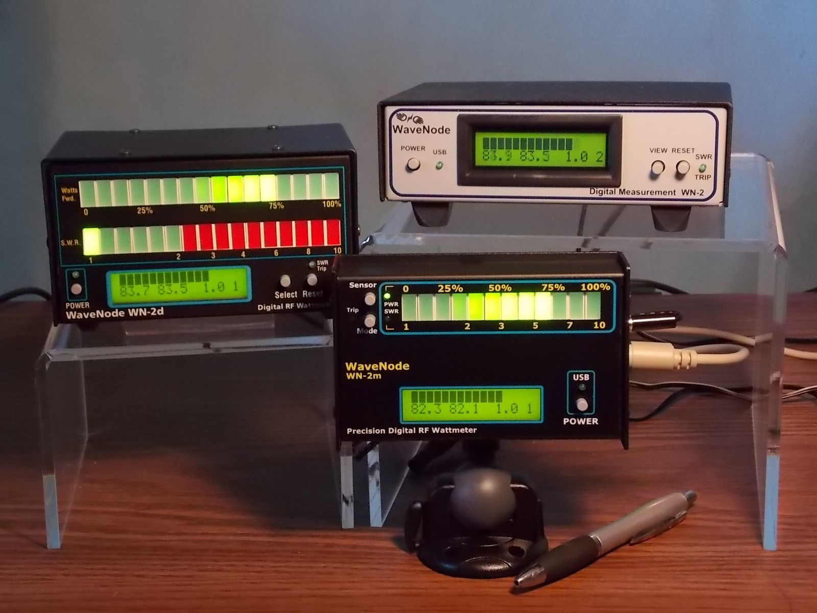 Wavenode SWR and RF wattmeter with computer graphics and DC