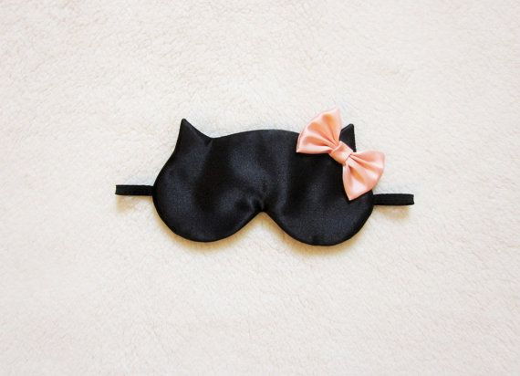 Cute sleep mask! I'd put satin on the front and inside
