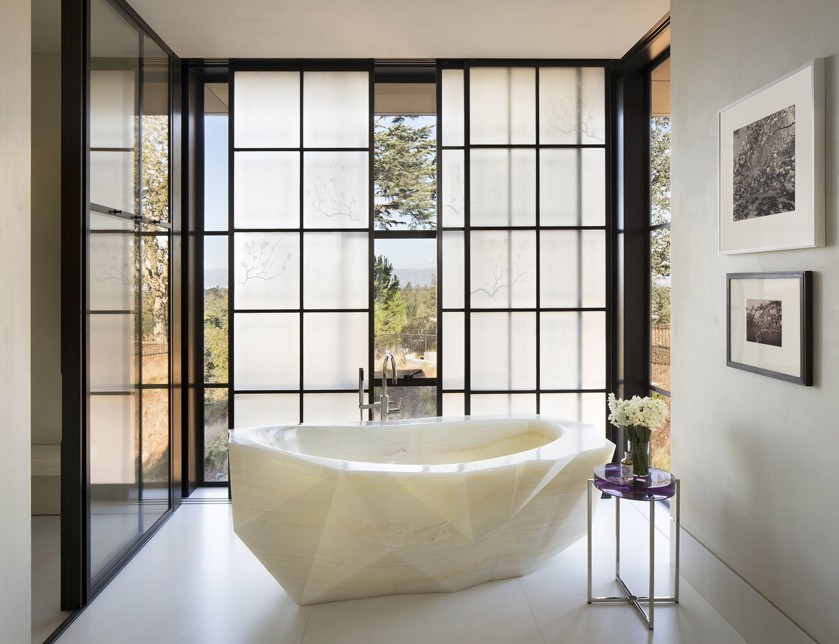 Designer: Kendall Wilkinson Fabulous onyx tub in a light filled ...