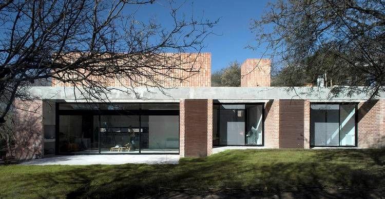 La casa escondida de las sierras de Córdoba Arquitectura