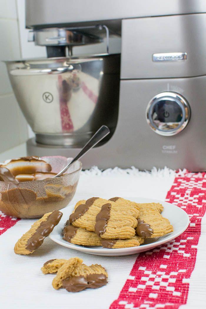 Veganes Nougat-Spritzgebäck | Rezept | Kaffee-cupcakes, Kekse ...