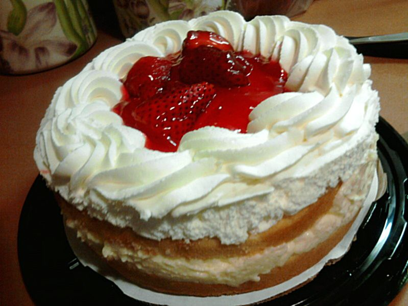 Boston creme strawberry cake strawberry recipes boston
