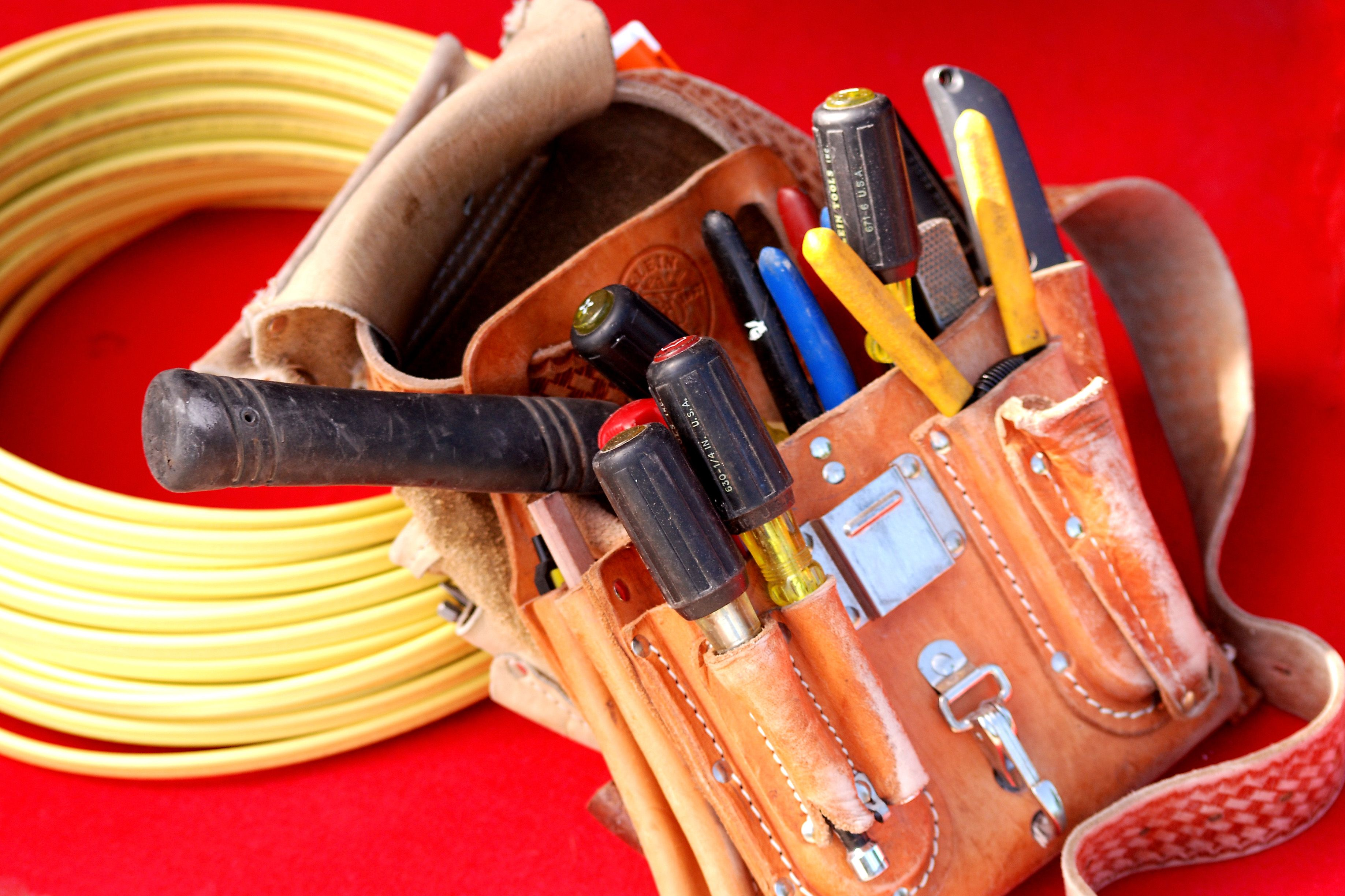 how to be an electrician in ontario