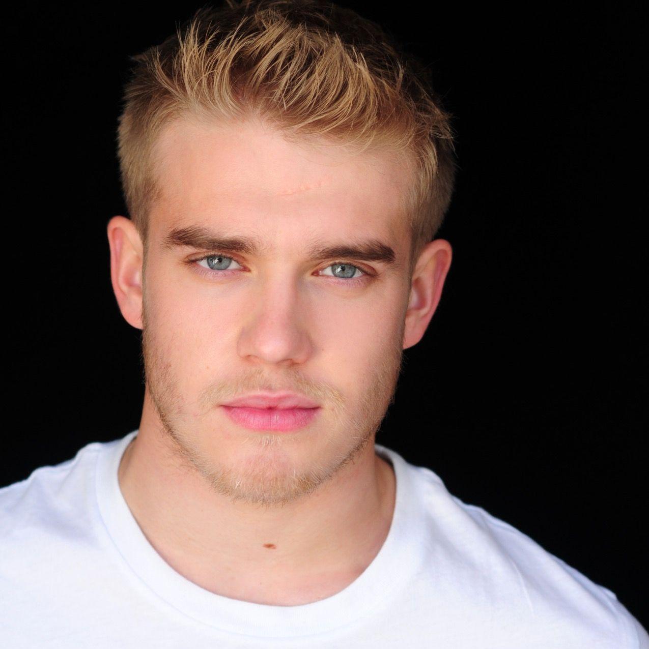 Watch Bobby Lockwood (born 1993) video