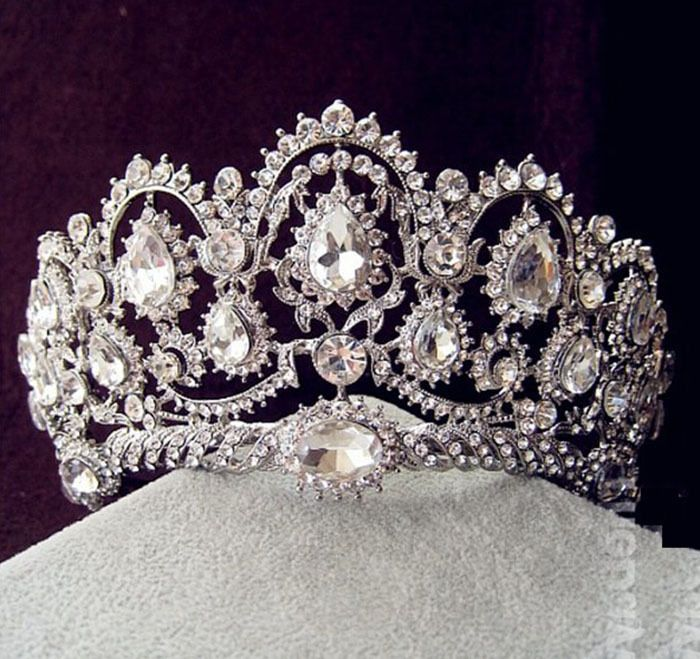 2014 Vintage Peacock Crystal Tiara Bridal Hair Accessories For Wedding  Quinceanera Tiaras And Crowns Pageant Rhinestone Crown-in Hair Jewelry from  Jewelry ... 1aa9bdcc94ab