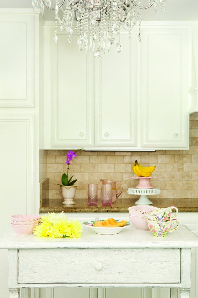 3 Ways to Use the Color Pink: Flea Market Finds ...