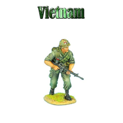 First-Legion-VN004-US-25th-Infantry-Division-Advancing