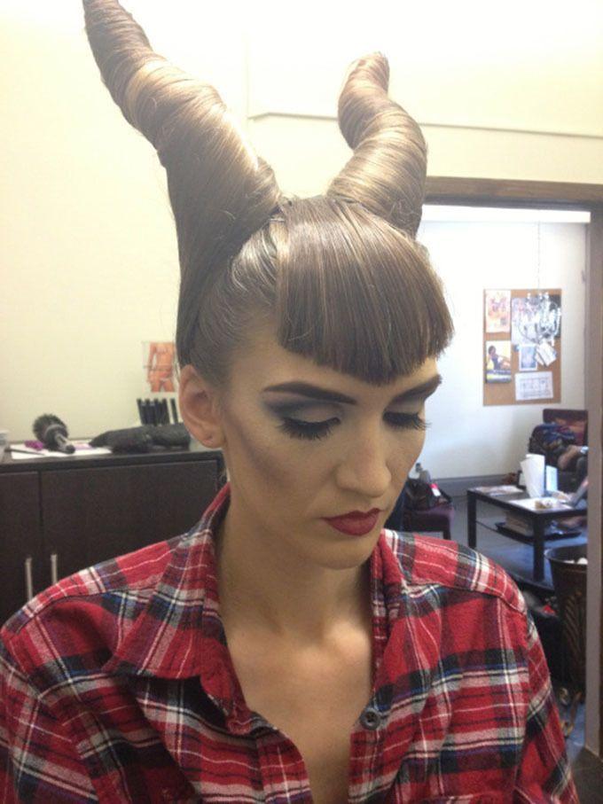17 Ideen Fur Halloween Frisuren Mit Pony Diy Diy Halloween Zenideen Halloween Frisuren Romantische Frisuren Coole Frisuren