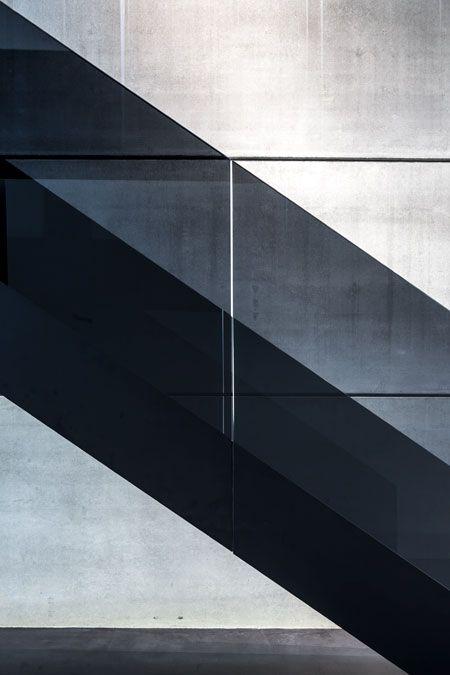 Pin Von Stefanie Schlossmacher Auf Architektur Treppen Design Treppe Und Glasgelander