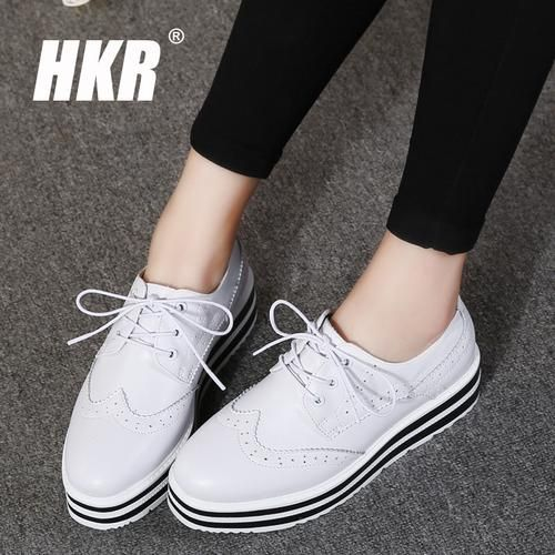 0e6749ececb HKR 2017 Spring Women Platform Shoes Woman Brogue Patent Leather Flats Lace  Up Footwear Female Flat Oxford Shoes For Women 8515