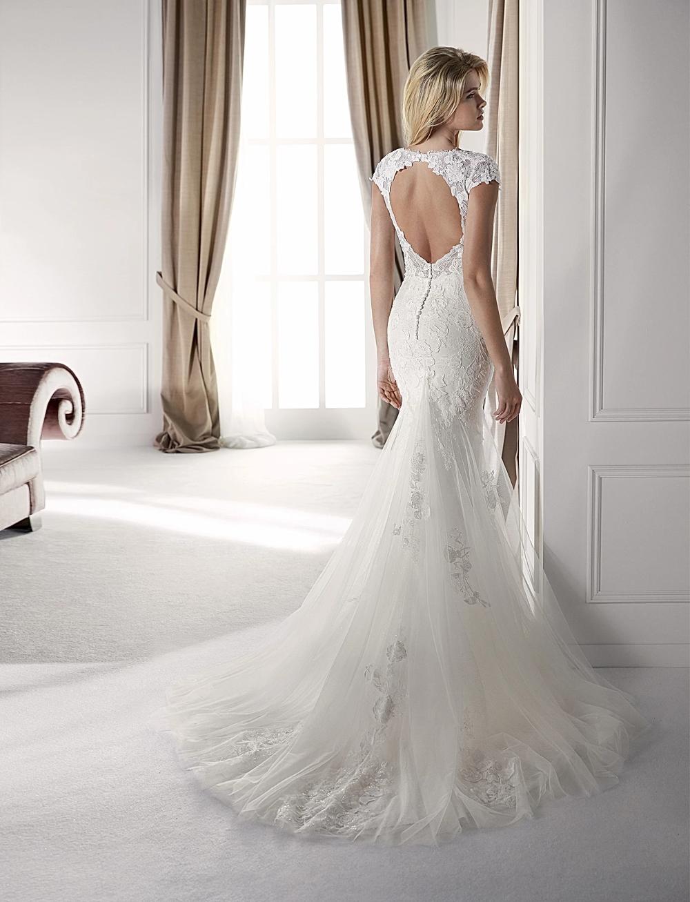 Keyhole Back Wedding Dresses In 2020 Wedding Dresses Dallas Wedding Dresses Chicago Nicole Spose Wedding Dress