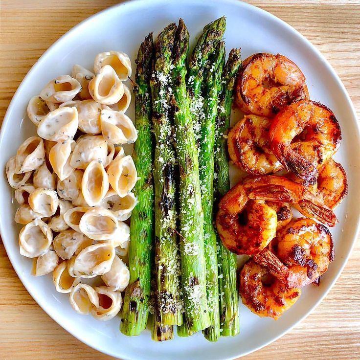 Love this SPICY GARLIC CAJUN SHRIMP dinner idea by Sara Eriksson.haven!
