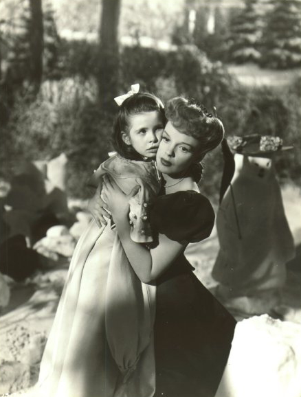 have yourself a merry little christmas sung by judy garland to margaret obrien is one of those unforgettably beautiful moments of american filmography - Judy Garland Have Yourself A Merry Little Christmas Movie
