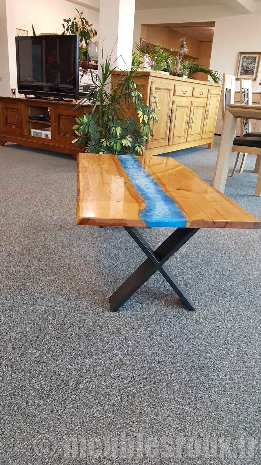 table basse en merisier et resine epoxy