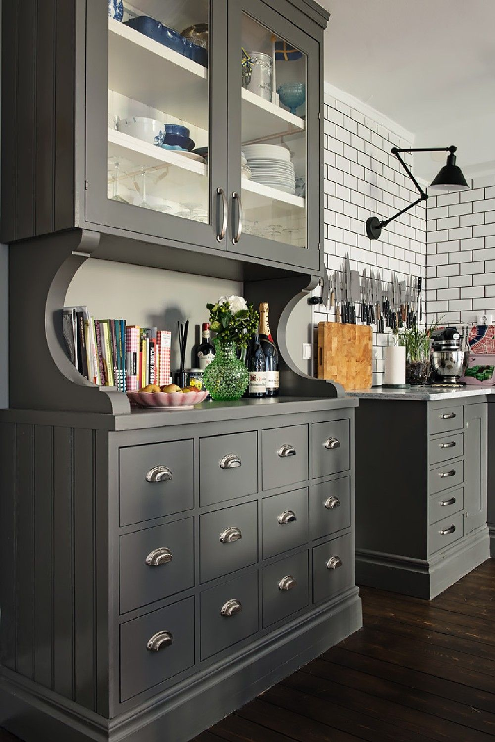 Gray Walls, Dark Wood Make For a Warm, Cozy Apartment ...