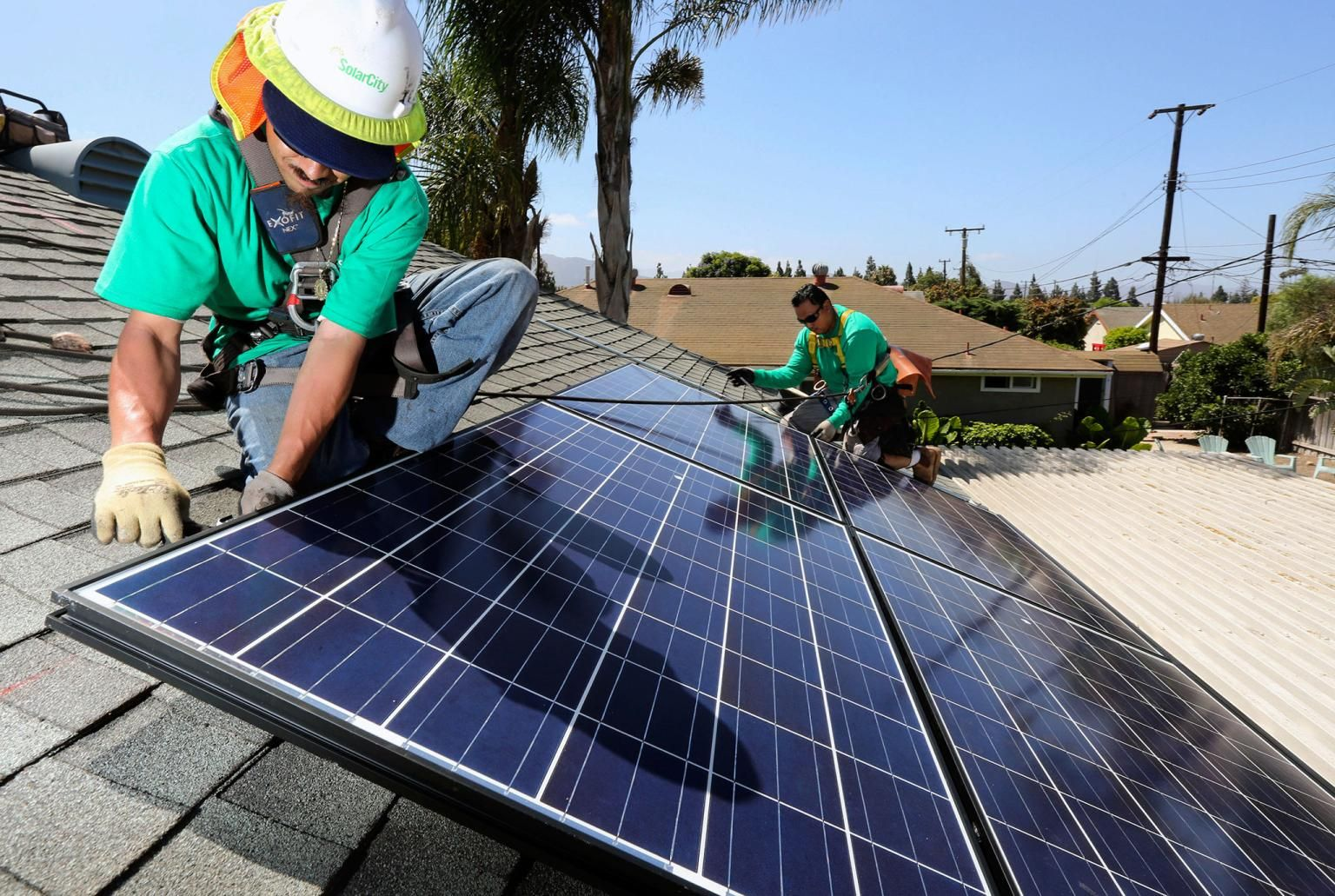 Solar Energy Sees Eye Popping Price Drops Solar Solar Energy Panels Best Solar Panels