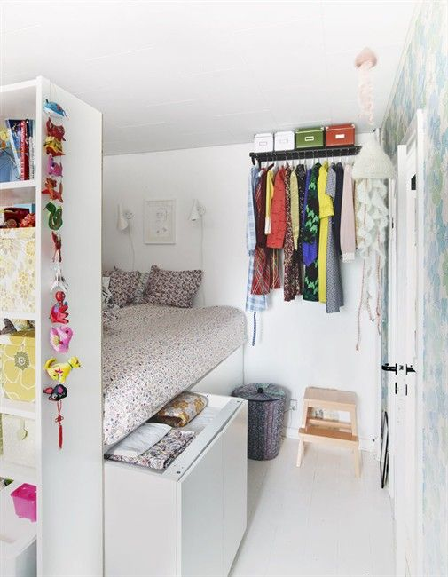 Floral Wallpaper and Billy Bookcases Create a Pretty Solution in a - chambres a coucher conforama