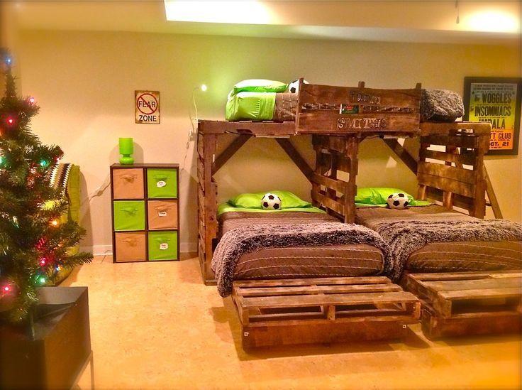 pallet beds Pallet bunk bed bunk bed plans niños Pinterest