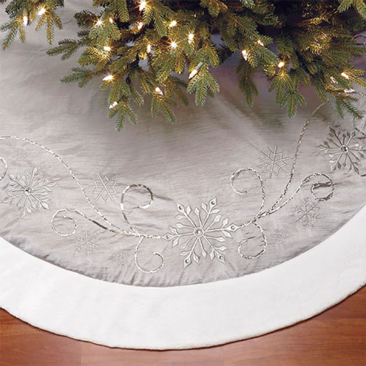 Christmas Tree Skirt Luxury Faux Fur Silver Snowflake 1.6m