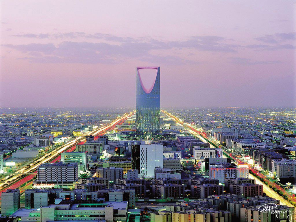 Saudi Arabia High Oil Prices Keeps Easy Money Flowing but Economic