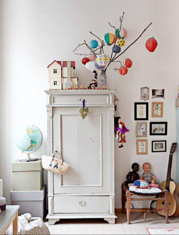 Jolie petite armoire parisienne pour chambre d\u0027enfant Meuble