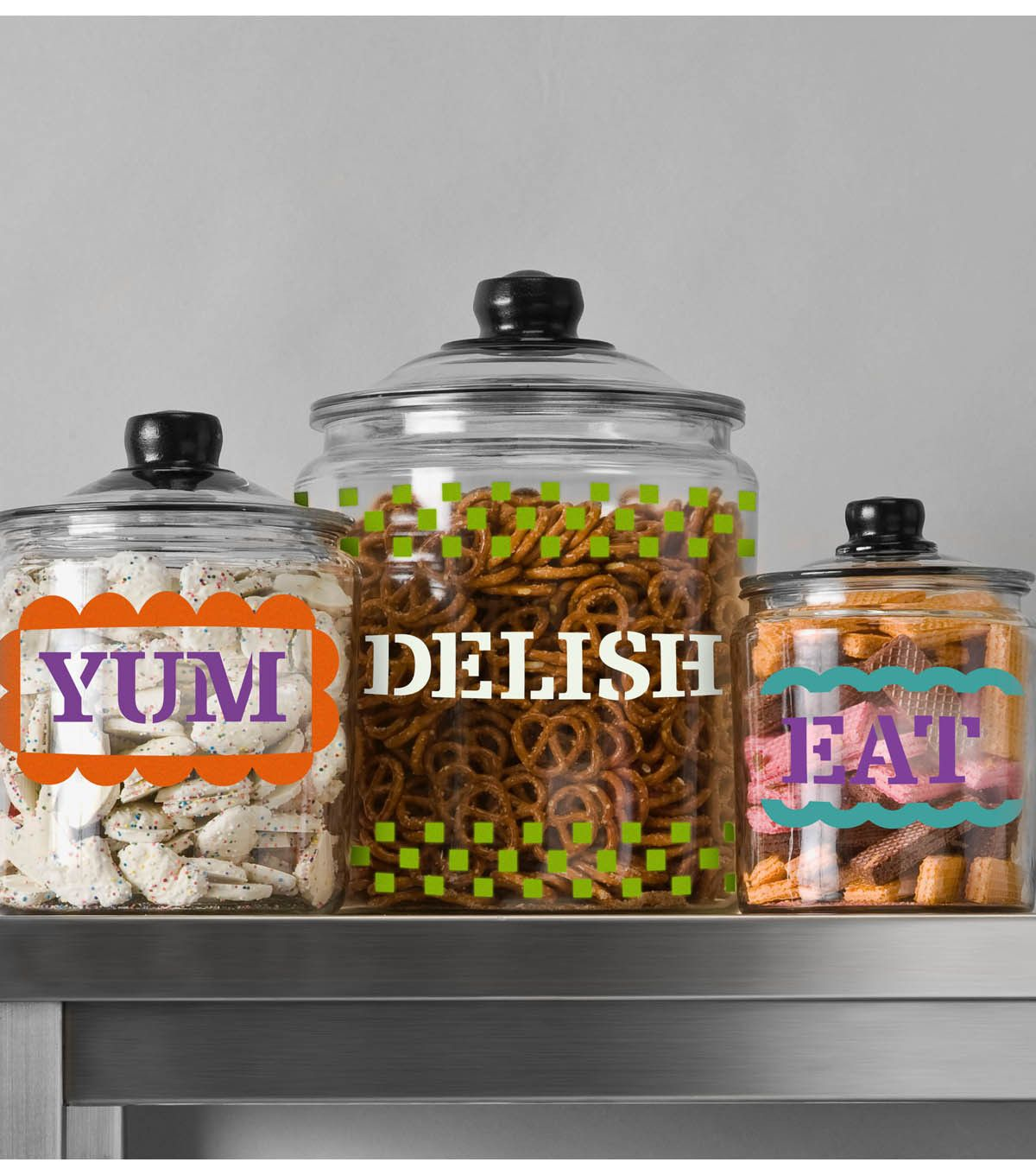 Create cute and fun canisters for your snacks with the help of @Handmade Charlotte and @Plaid Crafts :)
