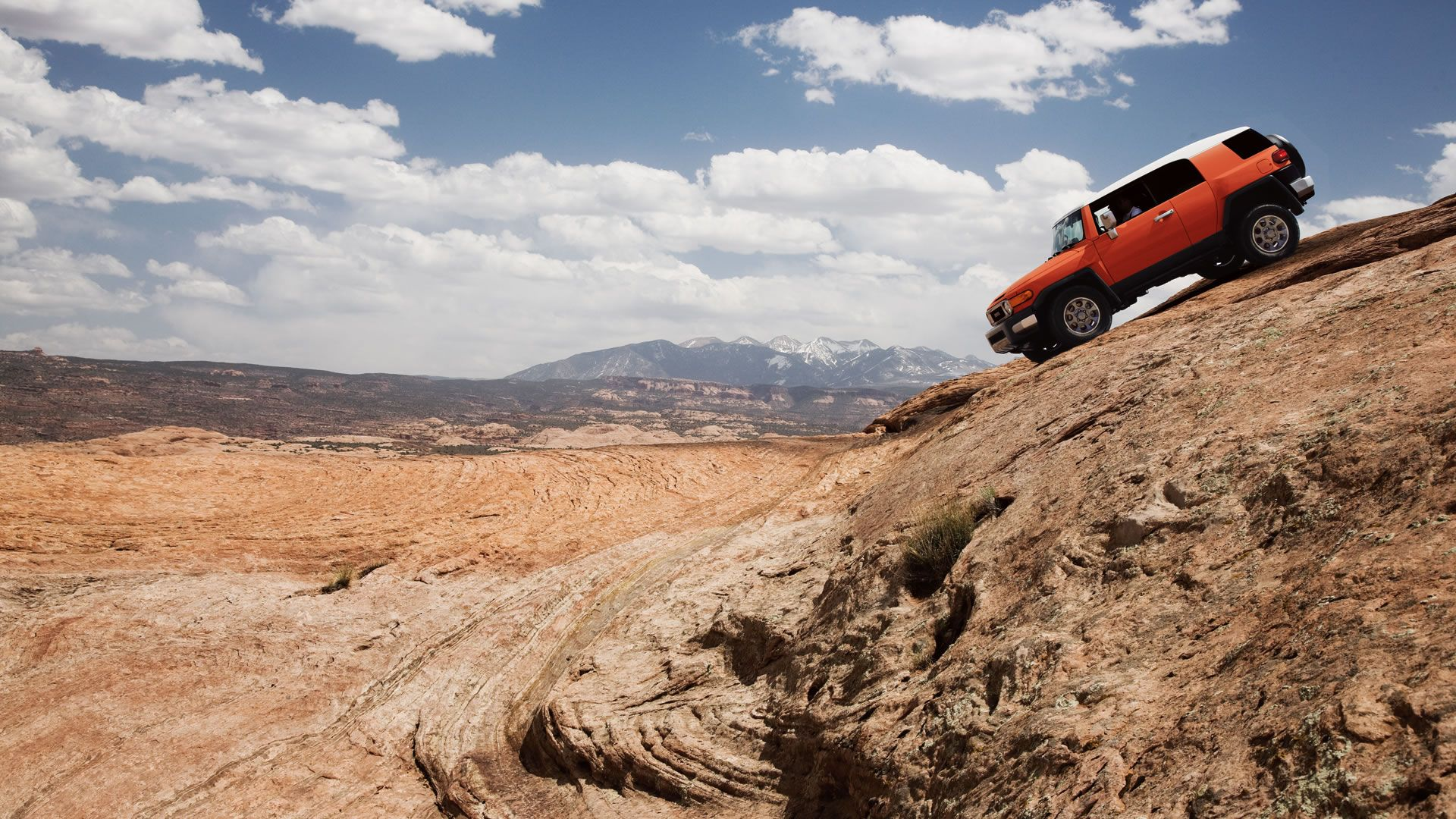 Toyota Dealers Utah >> Discover How It Feels To Be On Top Of It All 2014 Fj