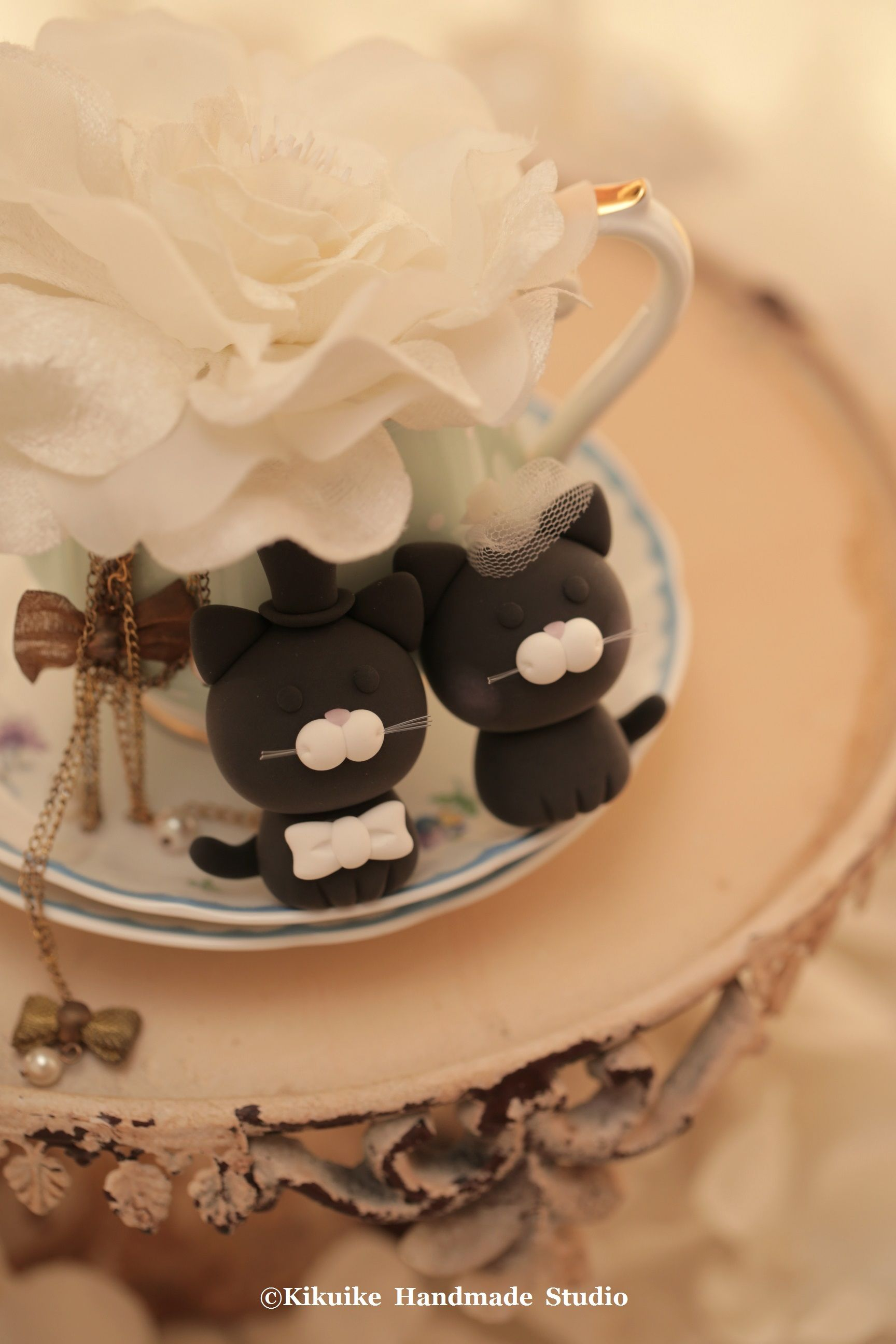 Cat and kitty wedding cake topperk wedding cake dog cake