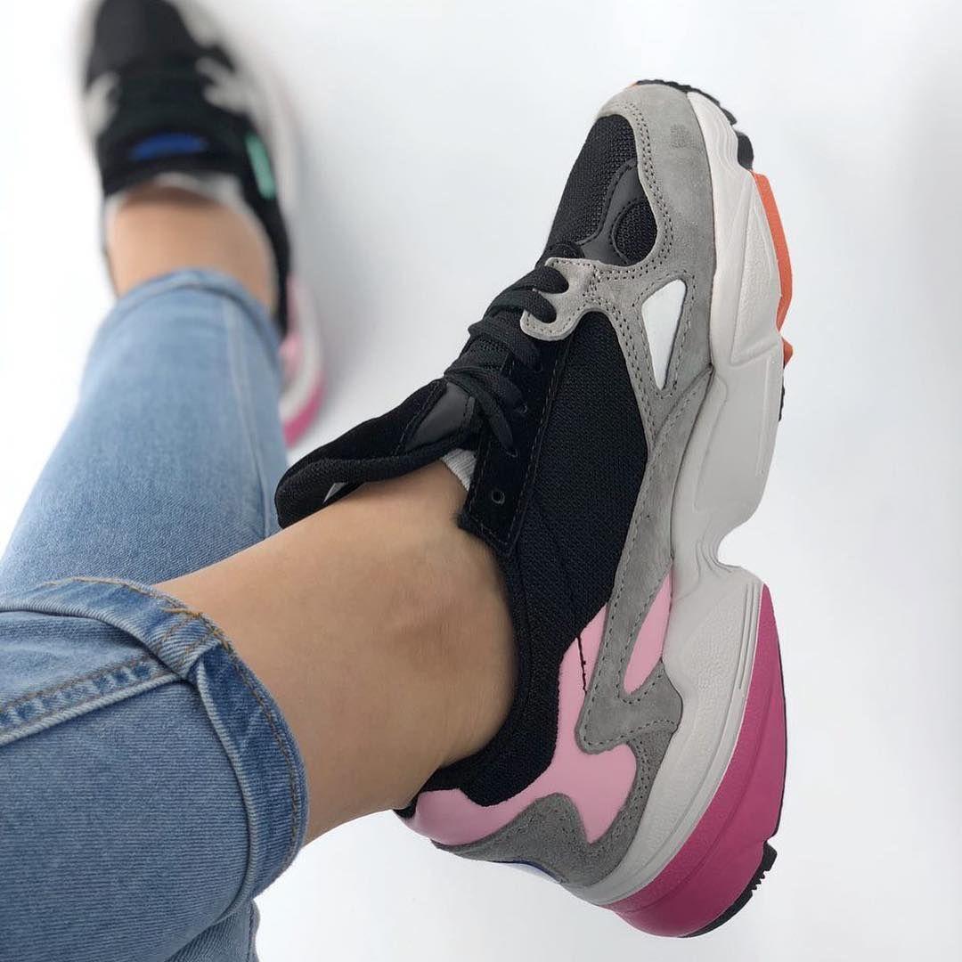 Les 58 meilleures images de Sneakers. en 2019 | Chaussures