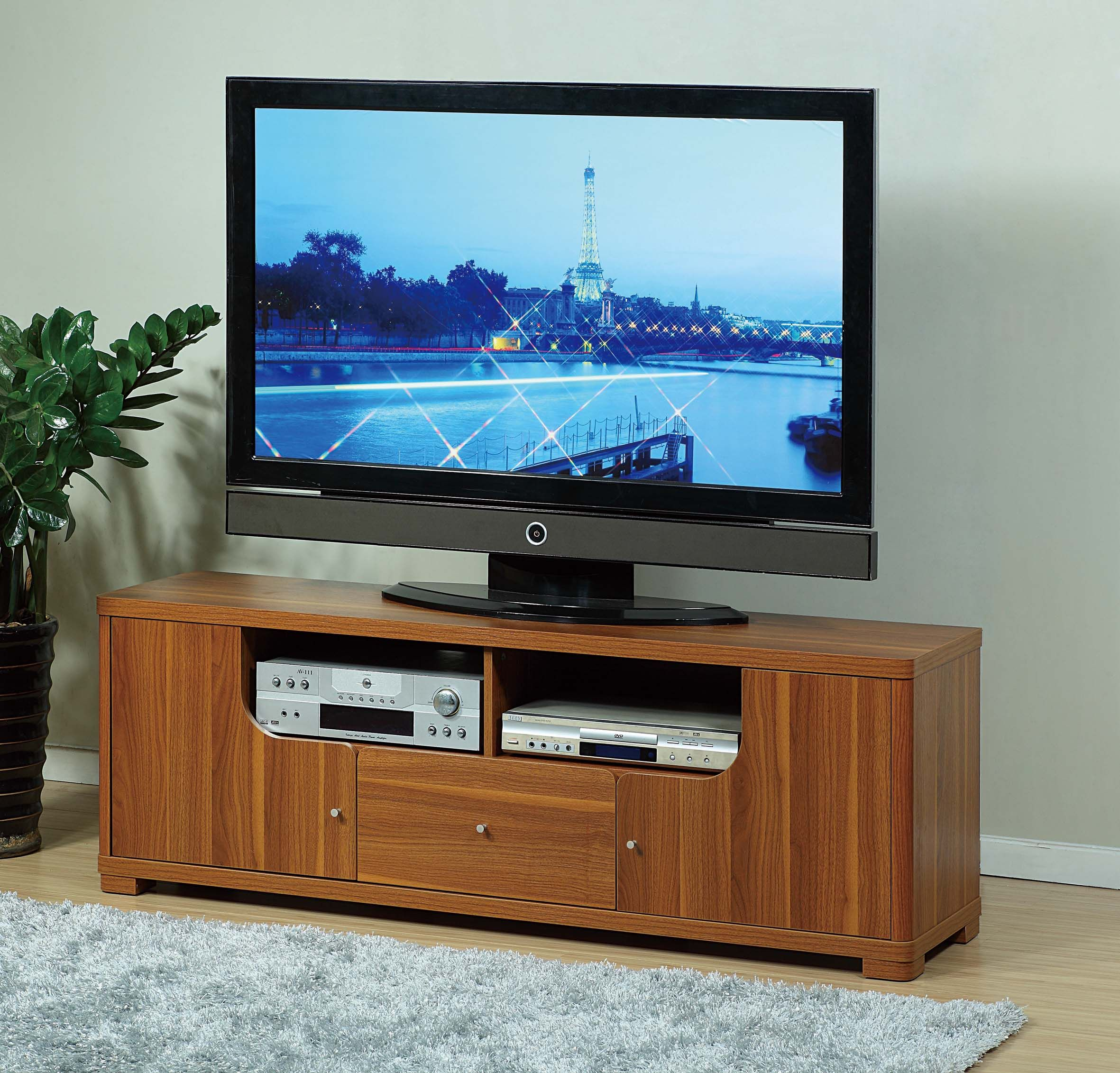 ID USA No. 13824 TV Stand is retro and modern too! This TV Stand