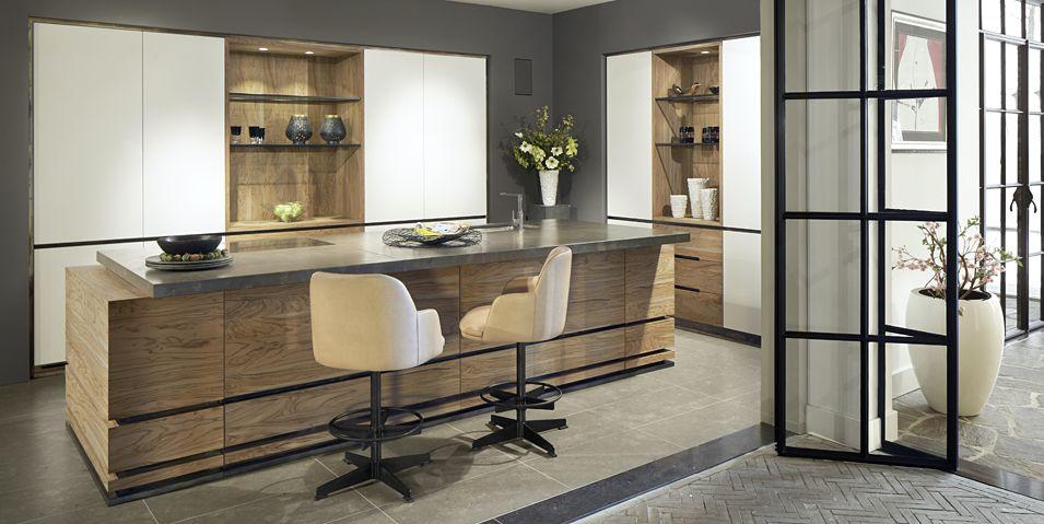 Strakke design keukens krijgen stijl en karakter door het gebruik van sprekende materialen zoals - Eigentijdse design keuken ...