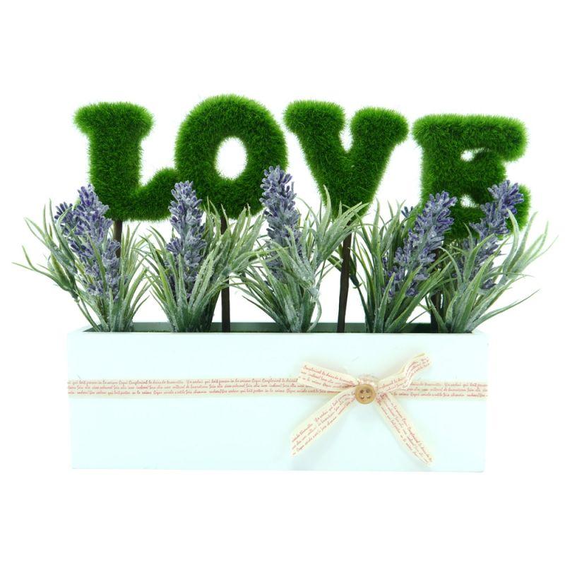 Vasinho com escrita Love. Compre mais itens para seu jardim ou para a sua casa, aqui: www.flocodecor.com.br