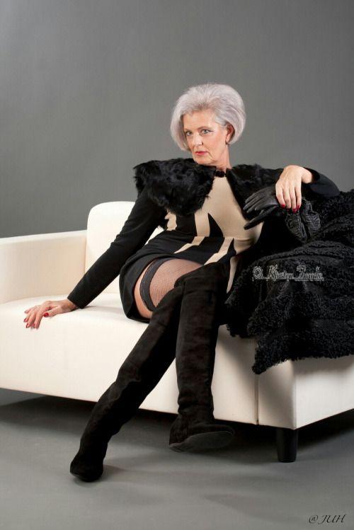Mature Female Authority | Leidenschaften | Old mature ...