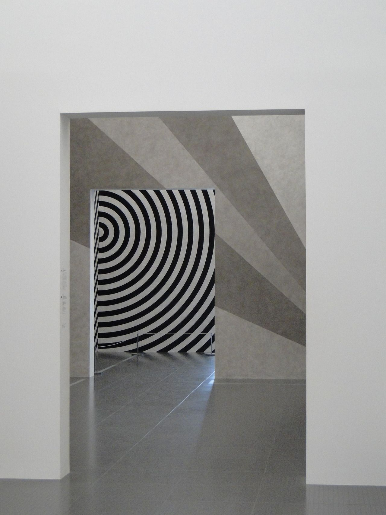 Sol LeWitt, Wall Drawings from 1968-2007 currently on view at The Centre Pompidou-Metz.